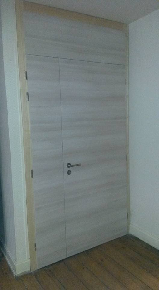 Fabrication et pose de portes et placards pour un cabinet for Fabricant de meuble sur mesure
