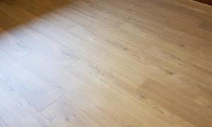 Remplacement de sol en bois après une inondation