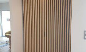 Fabrication et pose d'un placard en bois massif frêne