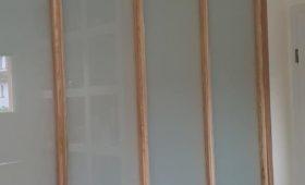 Verrière en bois massif frêne et verre securit opaque