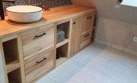 Fabrication et pose de 2 meubles de salle de bain en bois frêne massif
