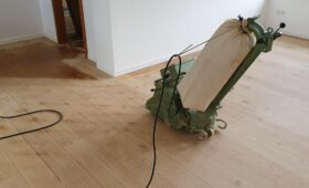 Ponçage de parquet massif chêne lame large rustique et ponçage parquet chêne mosaïque